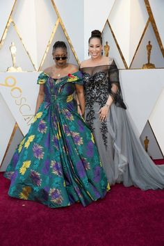 Whoopi Goldberg (L) and Alex Martin attend the Annual Academy Awards at Hollywood & Highland Center on March 2018 in Hollywood, California. Floral Gown, Star Fancy Dress, Whoopi Goldberg, Black Girls Rock, Celebrity Look, Alex Martin, Hollywood Glamour, Red Carpet