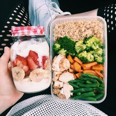 """befit-behealthy-beyou: """"Preparation is key it literally takes 20 minutes (give or take a few depending on what you're making) to prepare meals for tomorrow if you plan to be on the go. 'I don't have enough time ' is NO excuse for spending $50+..."""