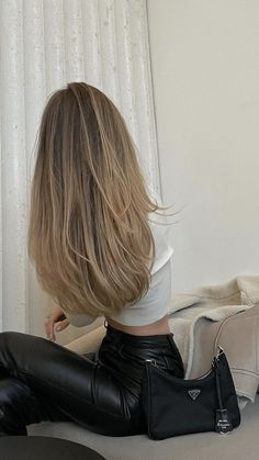 Brown Hair Balayage, Brown Blonde Hair, Hair Highlights, Hair Inspo, Hair Inspiration, Blonde Hair Looks, Aesthetic Hair, Pretty Hairstyles, Hair Goals