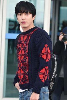 Jung Yong-hwa Terbang Ke Milano Untuk Hadiri Gucci Collection