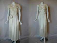 1940s Flobert Ivory Rayon Peignoir 34 Small by IntimateRetreat