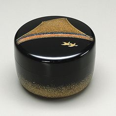 Maki-e lacquer tea caddy by National Living Treasure of Japan, Shogyo OBA (1916~2012)