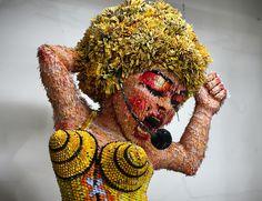#madonna  #마돈나  #가수  #a sginger  #artist  #artworks  #sculpture  #piece  #paper  120×120×240Cm