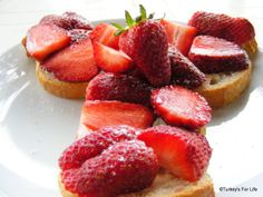 #Fethiye Strawberry Sandwiches - A recipe