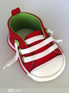 Tutorial zapatilla Converse mini fondant. www.yourcake.es/tutorial.html?id=20140705
