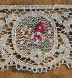 SURPRISE 25 off SALE Darling Vintage Lace Flapper by RuinsCa