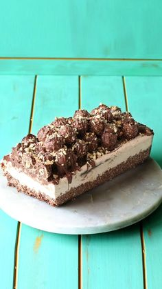 Creamy Nutella ice cream, a crunchy chocolate base, tons of Nutella, all topped with Ferrero Rocher chocolates.