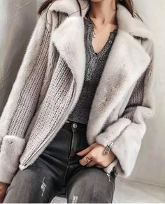 A grey sweater with faux collar and sleeves. Faux fur Aesthetic Outfit, Aesthetic Clothes, Winter Fashion Outfits, Knit Fashion, Fashion Fashion, Fashion Ideas, Knitting Patterns, Coat Patterns, Shearling Jacket