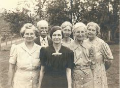 Matthews' family Dora, George, Percy Smith, Mamie, Florence Williams, Zealie Michelson -George and dauthers (Evelyn Dees' Grandfather, Mother and Aunts)