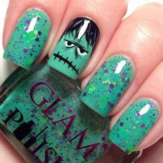 Halloween nail art designs - Cool Halloween nails for 2018 Nail Art Halloween, Holiday Nail Art, Halloween Nail Designs, Cute Nail Designs, Spooky Halloween, Pretty Designs, Halloween Costumes, Fancy Nails, Love Nails