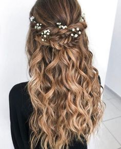 Boho Chic wedding hairstyle for long hair with flowers. Wedding hairstyles half down, hair and make-up by - - lange haare hochzeit Boho Chic wedding hairstyle for long hair with flowers. Wedding hairstyles half down, hair and make-up by - New Site Wedding Hairstyles Half Up Half Down, Wedding Hairstyles For Long Hair, Elegant Hairstyles, Wedding Hair And Makeup, Wedding Updo, Braided Hairstyles, Chic Wedding, Braided Wedding Hair, Half Up Half Down Hair Prom