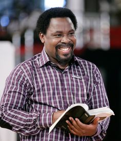 Image associée T B Joshua, Benny Hinn, Latest Music Videos, Godly Man, New Growth, 24 Years Old, Prayer Request, Old Women, Men Casual