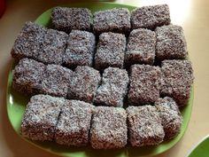 Kétségtelenül ez az egyik legnépszerűbb sütemény, hisz nem nehéz elkészíteni, és mindenki szereti! Dessert Cake Recipes, Love Is Sweet, Cookies, Minden, Dios, Sheet Cakes, Crack Crackers, Biscuits, Cookie Recipes