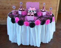 Fiesta Minnie Mouse de color rosa.