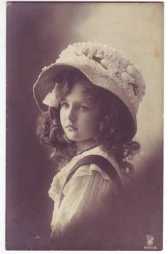 Pretty Edwardian Girl w Hat 1910s Photo Postcard |