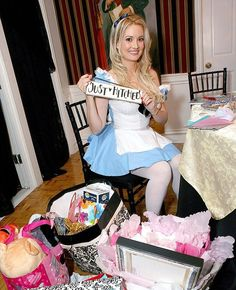 alice in wonderland hen party games