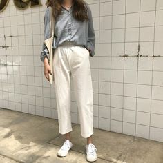 Korean Fashion Trends you can Steal – Designer Fashion Tips Korean Fashion Trends, Korean Street Fashion, Korea Fashion, Latest Fashion For Women, Fashion Styles, Modest Fashion, Fashion Outfits, Fashion 2018, Fashion Pants