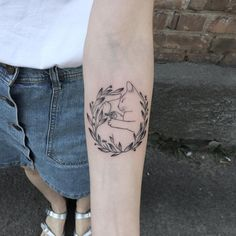 Sweet slipping cat ) - It's the little things! Cute Tattoos, Beautiful Tattoos, New Tattoos, Body Art Tattoos, Small Tattoos, Natur Tattoos, Cat Tattoo Designs, 4 Tattoo, Plant Tattoo