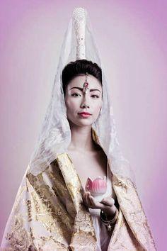 The Look: 'Reviste la Calle Faith' by Pilar Castro Evensen,