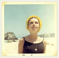 "personal photo from ""rmi madre"" en 1967 by lolapaipro Vintage Love, Vintage Colors, Freddie Mercury Mother, Vintage Photographs, Vintage Photos, Message Secret, San Francisco Girls, Vintage Magazine, Nostalgia"