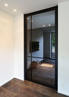 Steel look pivotdeur op maat - ANYWAYdoors