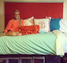 simple and bright dorm room. I love the giant pinboard!