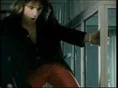 Judas Priest - Breaking the law