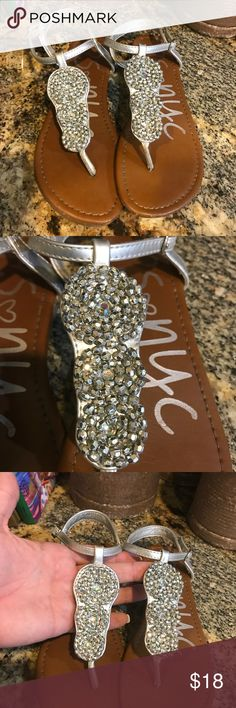 Girl's PS NYC for Aeropostale silver thong sandals Silver thong embellished sandals. Excellent condition. Aeropostale Shoes Sandals & Flip Flops