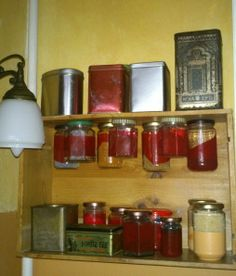 Regale aus Weinkisten / Shelves made of wine crates /  Upcycling