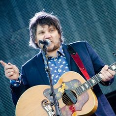 "Watch Wilco and My Morning Jacket cover Neil Young's ""Cinnamon Girl"""