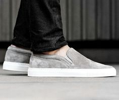uk availability 40ebe 88d32 Axel Arigato plain grey suede slip-on  axelarigato www.axelarigato.com  Trendiga