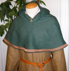 Viking Bocksten Pattern Linen Hood Medieval Cowl by Tunics on Etsy Medieval Fashion, Medieval Clothing, Historical Clothing, Hood Pattern, Medieval Costume, Viking Reenactment, Cowl, Trending Outfits, How To Wear