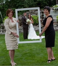 Wedding ideas : bride and grooms mothers : picture perfect