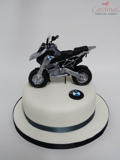cassy's cakes: bmw motorcycle cake   motorcycles   pinterest