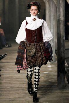 chanel haute couture 2014 | Chanel - Pre-Fall 2013 2014 - Shows - Vogue.it