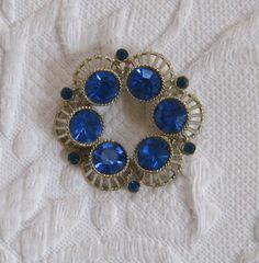Blue rhinestone Brooch / Blue Circle Brooch by vintagous on Etsy