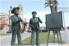 En la zona de La Fragata, a las faldas de la iglesia, nos encontramos con dos estatuas a tamaño real de los pintores Santiago Rusiñol y Ramón Casas. A parte del homenaje a los dos grande genios,Estas estatuas dan un toque muy simpático al paseo de la...