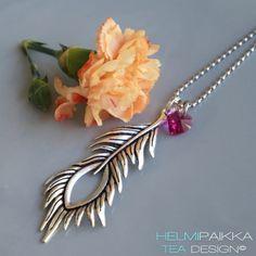 Riikinkukon sulka | Helmipaikka Oy - Joka päivä on korupäivä - Helmipaikka.fi - Tilaa koruja netistä! Necklaces, Chain, Wedding Necklaces