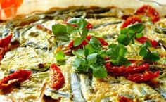 Make a frittata with a difference using asparagus, sundried tomatoes and leeks and serve with steaming hot sweet potato wedges Vegetarian Recipes Dinner, Dinner Recipes, Asparagus Frittata, Sweet Potato Wedges, Romantic Meals, Frittata Recipes, Vegetable Recipes, Veggies, Eat