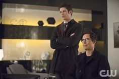 """The Flash -- """"All Star Team Up"""" -- Image FLA118B_0334b -- Pictured: Grant Gustin as Barry Allen and Tom Cavanagh as Harrison Wells -- Photo: Cate Cameron/The CW -- © 2015 The CW Network, LLC. All rights reserved.pn"""
