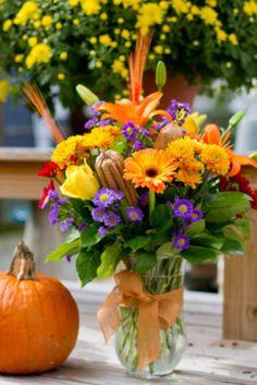 Fall floral arrangement how to Fall Floral Arrangements, Floral Centerpieces, Thanksgiving Decorations, Thanksgiving Flowers, Fall Decorations, Floral Bouquets, Autum Flowers, Love Flowers, Beautiful Flowers