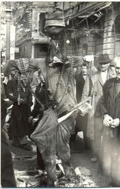 Gúnybábú a József körúton #tank #revolution #1956 #hungary #houseofterror #communism #scarecrow