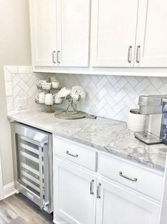Kitchen Remodel Remodel countertops Remodel diy Remodel modern Kitchen Remodel 47 choosing white kitchen cabinets is not a bad idea 20 Old Kitchen, White Kitchen Cabinets, Home Decor Kitchen, Kitchen Countertops, Kitchen Backsplash, Kitchen Ideas, Kitchen White, White Kitchens, Backsplash Ideas