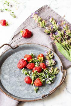 Na vidličku: Míša řezy Serving Bowls, Strawberry, Fruit, Tableware, Food, Bowls, Dinnerware, Meal, Serving Dishes