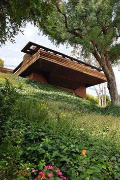 1939 George Sturges House | Architect: Frank Lloyd Wright (overseen by Taliesin fellow John Lautner) | 449 N. Skyewiay Road, Los Angeles,