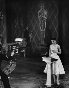 audrey hepburn, accepting her oscar for roman holiday
