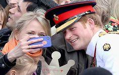 El Príncipe Harry se declara en contra de las selfies
