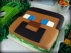 Minecraft Birthday Cake - great ideas for a Minecraft Party!