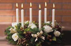 Google Image Result for http://homegallerydesign.com/wp-content/uploads/christmas-table-design-candle-decorating.jpg
