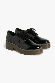 Monki Platform oxfords in Black